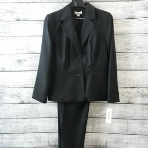 Womens Black Suit size 14 top and 16 Pants